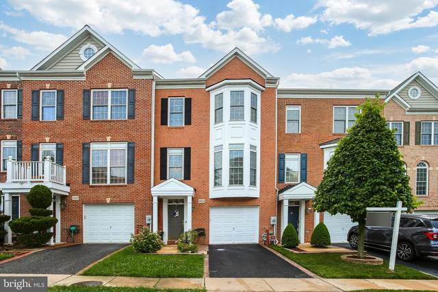 4806 Lee Hollow Place, ELLICOTT CITY, MD 21043 (#MDHW2002328) :: The Vashist Group