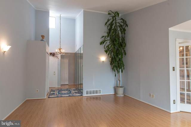 301 Byberry Road E24, PHILADELPHIA, PA 19116 (#PAPH2013418) :: Charis Realty Group