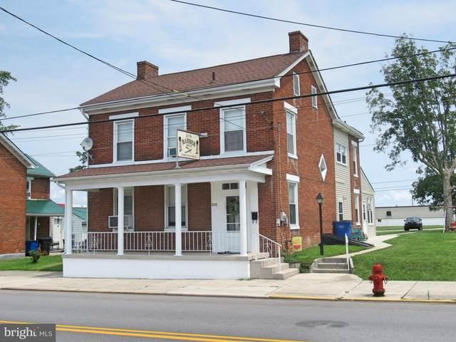 209 N Queen Street, LITTLESTOWN, PA 17340 (#PAAD2000632) :: The Joy Daniels Real Estate Group