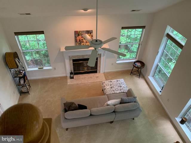 319 Overlook Drive #319, OCCOQUAN, VA 22125 (#VAPW2004740) :: Jacobs & Co. Real Estate
