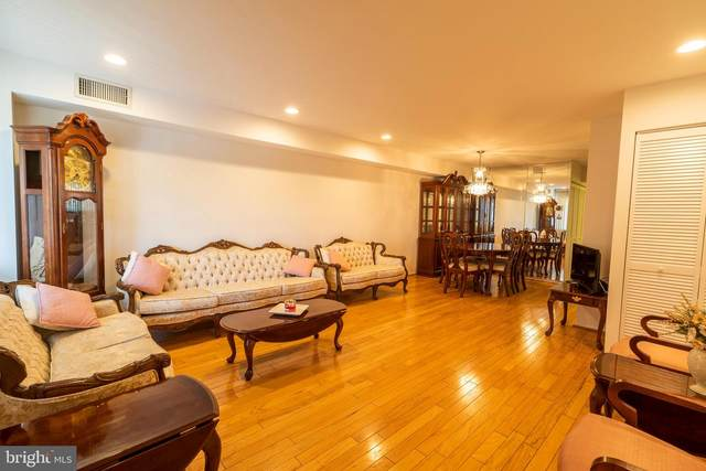10201 Bustleton Avenue A6, PHILADELPHIA, PA 19116 (#PAPH2016322) :: Linda Dale Real Estate Experts