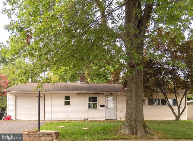 43 Thornyapple Lane, LEVITTOWN, PA 19054 (#PABU2004708) :: Keller Williams Realty - Matt Fetick Team