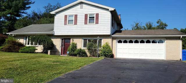 911 Dennis Circle, HARRISBURG, PA 17111 (#PADA2002280) :: TeamPete Realty Services, Inc