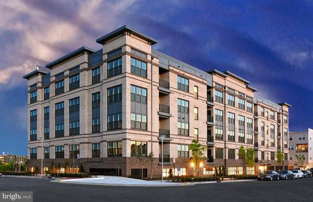2319 Field Point Road #20101, HERNDON, VA 20171 (#VAFX2014874) :: The Maryland Group of Long & Foster Real Estate