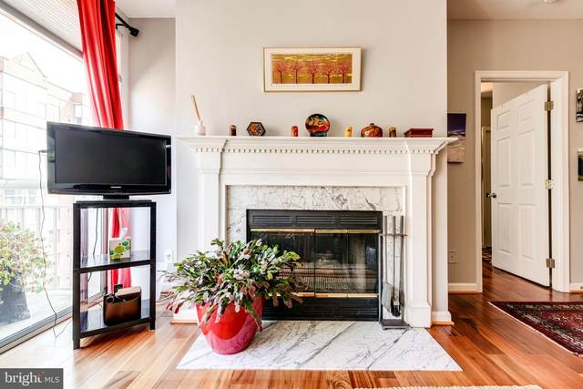 1200 Braddock Place #806, ALEXANDRIA, VA 22314 (#VAAX2002592) :: Debbie Dogrul Associates - Long and Foster Real Estate