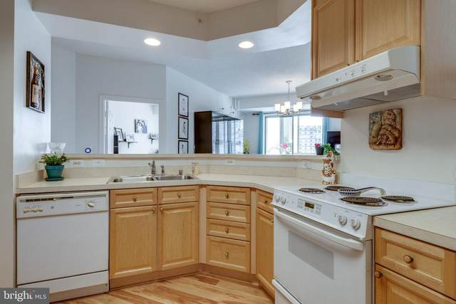 19365 Cypress Ridge Terrace #415, LEESBURG, VA 20176 (#VALO2006110) :: Debbie Dogrul Associates - Long and Foster Real Estate