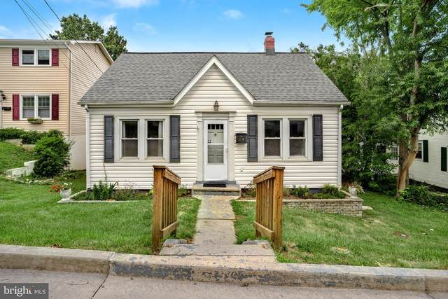 319 W 11TH Street, FRONT ROYAL, VA 22630 (#VAWR2000672) :: New Home Team of Maryland