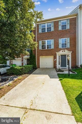 8068 Horseshoe Cottage Circle, LORTON, VA 22079 (#VAFX2016426) :: Debbie Dogrul Associates - Long and Foster Real Estate
