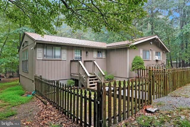 137 Shawnee Trail, HEDGESVILLE, WV 25427 (#WVBE2002320) :: Key Home Team