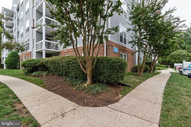 3178 Summit Square Drive 3-A2, OAKTON, VA 22124 (#VAFX2019906) :: Debbie Dogrul Associates - Long and Foster Real Estate
