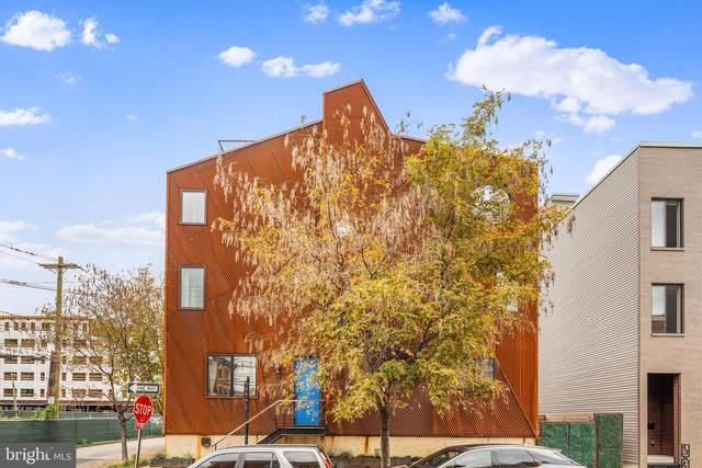 2401 Emerald Street, PHILADELPHIA, PA 19125 (#PAPH2028176) :: Tom Toole Sales Group at RE/MAX Main Line