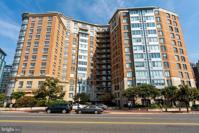 555 Massachusetts Avenue NW #1118, WASHINGTON, DC 20001 (#DCDC2013580) :: Coleman & Associates
