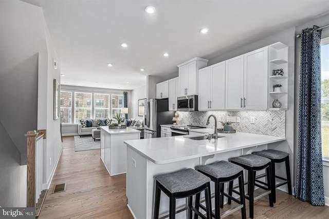 9437 Oak Grove Lane, MONTGOMERY VILLAGE, MD 20886 (#MDMC2016438) :: Bic DeCaro & Associates