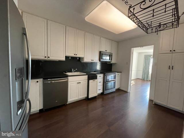307 Yoakum Parkway #1126, ALEXANDRIA, VA 22304 (#VAAX2003860) :: Integrity Home Team