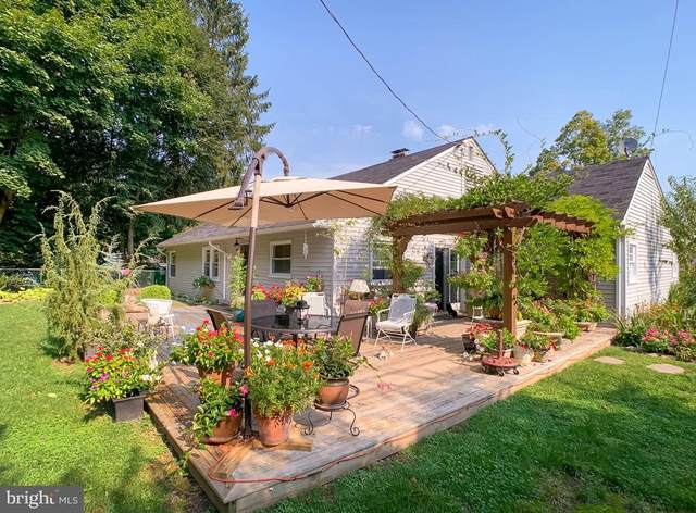 8806 Delphine Road, GLENSIDE, PA 19038 (#PAMC2011644) :: Tom Toole Sales Group at RE/MAX Main Line