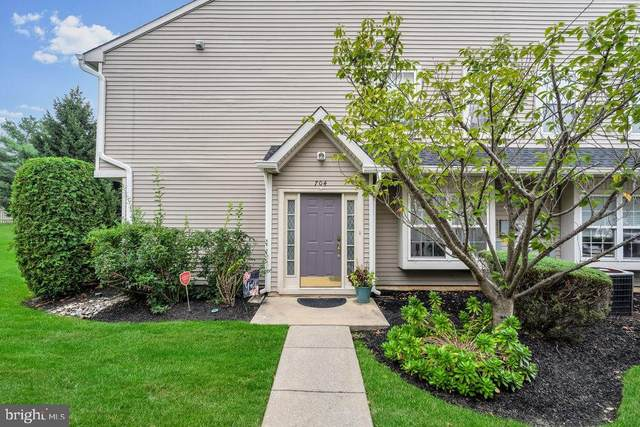 704 Coventry Way, MOUNT LAUREL, NJ 08054 (#NJBL2007936) :: Holloway Real Estate Group