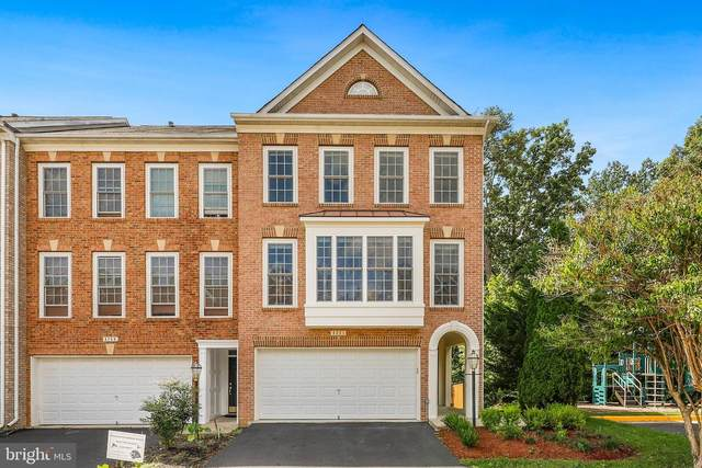 4261 Hudson River Court, DUMFRIES, VA 22025 (#VAPW2009346) :: The Maryland Group of Long & Foster Real Estate