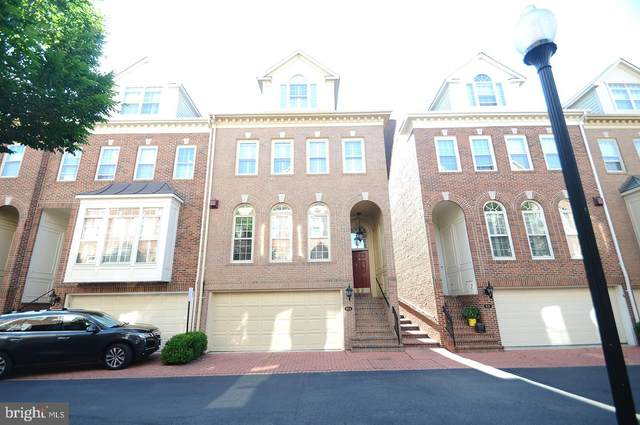 814 Rivergate Place, ALEXANDRIA, VA 22314 (#VAAX2004124) :: Bic DeCaro & Associates