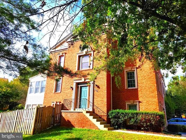5128 Winding Woods Drive, CENTREVILLE, VA 20120 (#VAFX2024362) :: The Miller Team