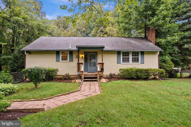 7824 Ridgewood Drive, ANNANDALE, VA 22003 (#VAFX2024382) :: Crews Real Estate