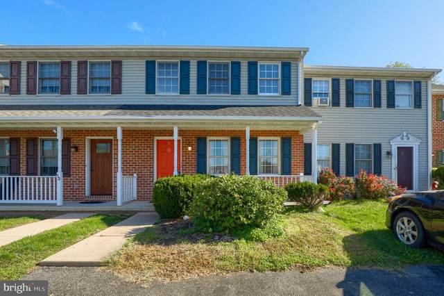 11 Foxfield Lane, ELIZABETHTOWN, PA 17022 (#PALA2006036) :: Keller Williams Flagship of Maryland