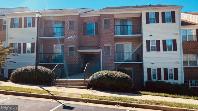 14805 Rydell Road #204, CENTREVILLE, VA 20121 (#VAFX2025262) :: ExecuHome Realty