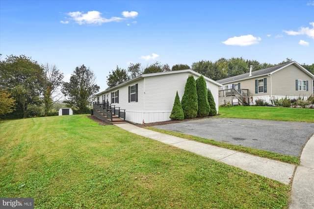 5 Pheasant, KUTZTOWN, PA 19530 (MLS #PABK2005504) :: Kiliszek Real Estate Experts