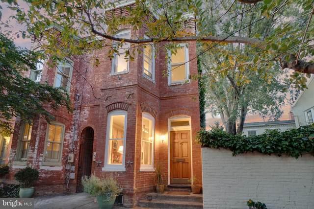 311 Queen Street, ALEXANDRIA, VA 22314 (#VAAX2004664) :: Bic DeCaro & Associates