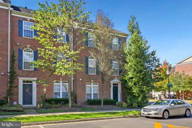 2235 Potomac Club Parkway #35, WOODBRIDGE, VA 22191 (#VAPW2010450) :: FORWARD LLC