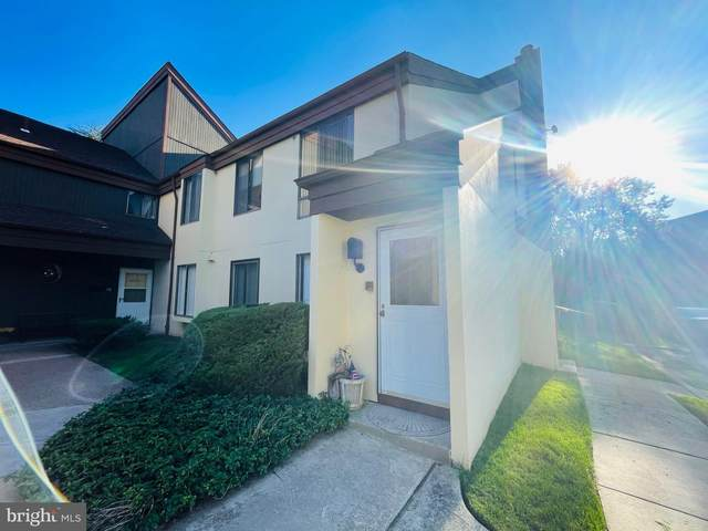 5025 S Convent Lane B, PHILADELPHIA, PA 19114 (#PAPH2038922) :: Tom Toole Sales Group at RE/MAX Main Line