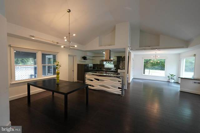 4601 Hunt Avenue, CHEVY CHASE, MD 20815 (#MDMC2020234) :: VSells & Associates of Compass