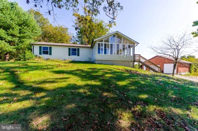 110 Potato Hill Street, HEDGESVILLE, WV 25427 (#WVBE2003454) :: Berkshire Hathaway HomeServices McNelis Group Properties