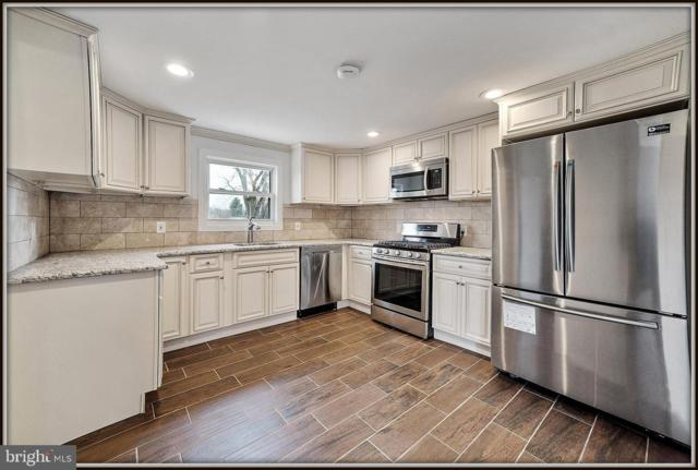 928 Wood Street, BURLINGTON, NJ 08016 (#NJBL322952) :: Colgan Real Estate