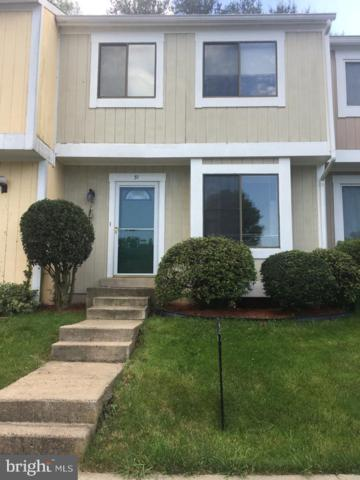 31 Sugarland Square Court, STERLING, VA 20164 (#VALO384246) :: The Greg Wells Team