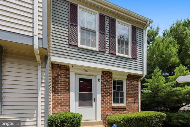 19001 Laurel Grove Terrace, GERMANTOWN, MD 20874 (#MDMC667040) :: LoCoMusings