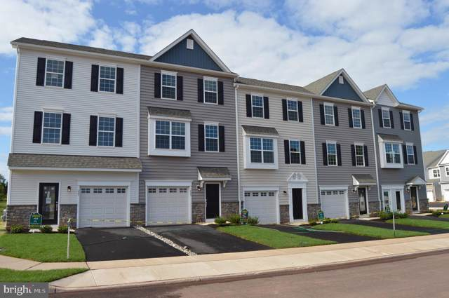 219 Spring Lane, ROYERSFORD, PA 19468 (#PAMC621716) :: ExecuHome Realty