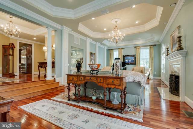 1011 N Washington Street, ALEXANDRIA, VA 22314 (#VAAX239448) :: Keller Williams Pat Hiban Real Estate Group