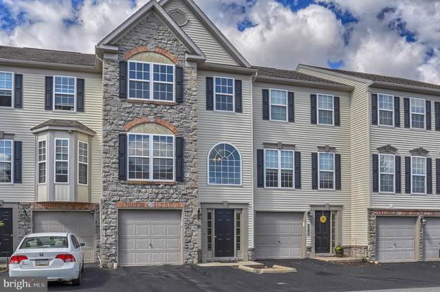 2726 Hunters Crest Drive, YORK, PA 17402 (#PAYK125524) :: The Joy Daniels Real Estate Group