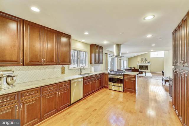 11137 Powder Horn Drive, POTOMAC, MD 20854 (#MDMC685956) :: The Speicher Group of Long & Foster Real Estate