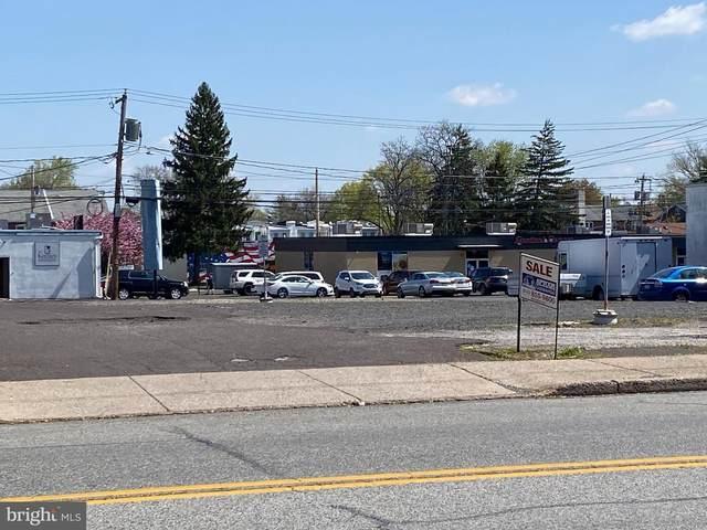 817 W Main Street, LANSDALE, PA 19446 (#PAMC633426) :: The John Kriza Team