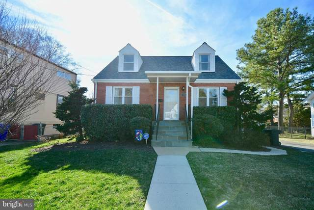 916 18TH Street S, ARLINGTON, VA 22202 (#VAAR158330) :: AJ Team Realty
