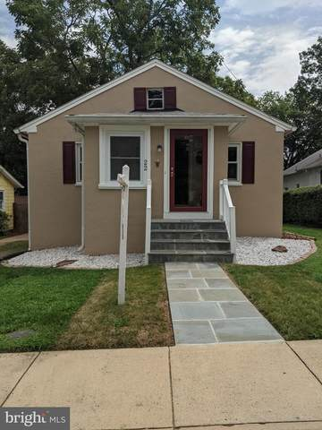 22 Pershing Avenue NW, LEESBURG, VA 20176 (#VALO402098) :: Debbie Dogrul Associates - Long and Foster Real Estate