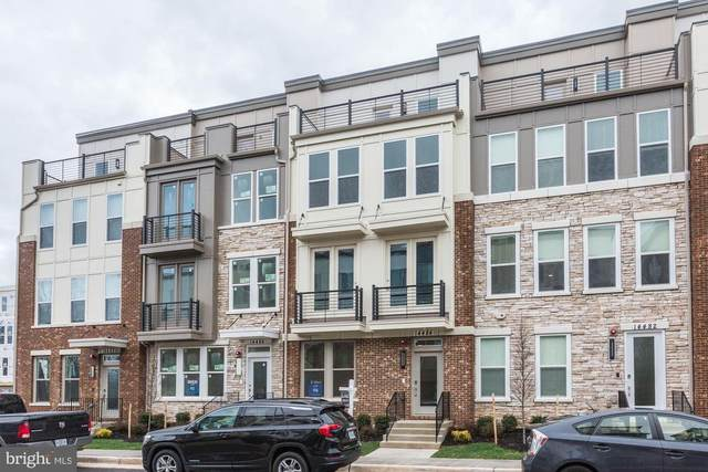 4985 Lakeside Crossing, CHANTILLY, VA 20151 (#VAFX1112916) :: The Miller Team