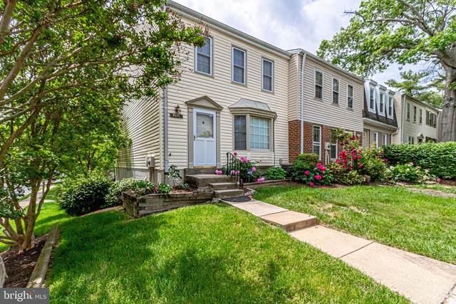 9201 Hickory Tree Court 11B, BURKE, VA 22015 (#VAFX1128834) :: Debbie Dogrul Associates - Long and Foster Real Estate