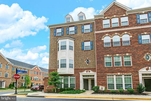 13686 Endeavour Drive, HERNDON, VA 20171 (#VAFX1135578) :: The Miller Team