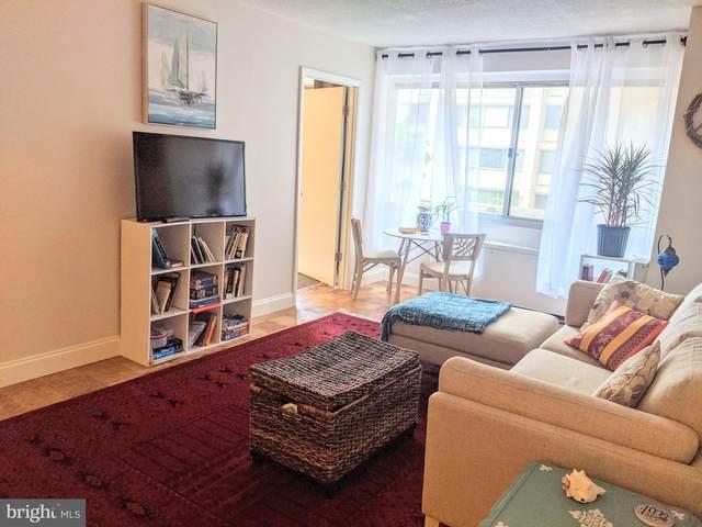 4515 Willard Avenue 915S, CHEVY CHASE, MD 20815 (#MDMC714804) :: Potomac Prestige Properties