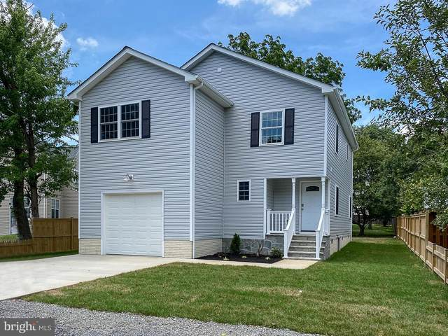 305 1ST Street, BERRYVILLE, VA 22611 (#VACL111596) :: Charis Realty Group