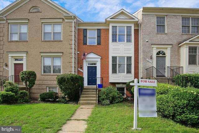 5815 Summerlake Way, CENTREVILLE, VA 20120 (#VAFX1146412) :: Debbie Dogrul Associates - Long and Foster Real Estate