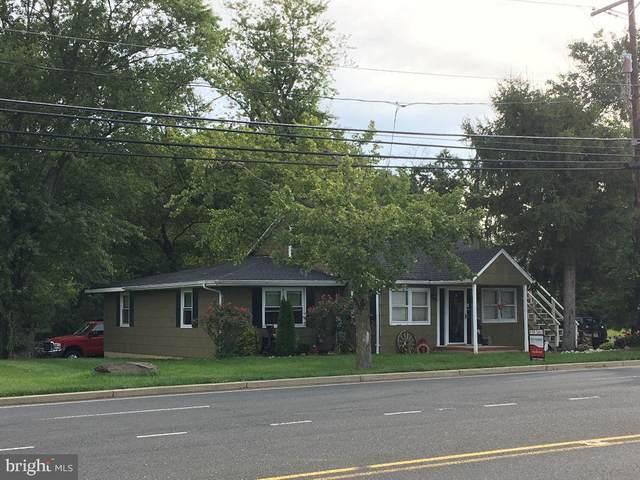 490 Buckelew Avenue, MONROE TOWNSHIP, NJ 08831 (#NJMX124922) :: Pearson Smith Realty