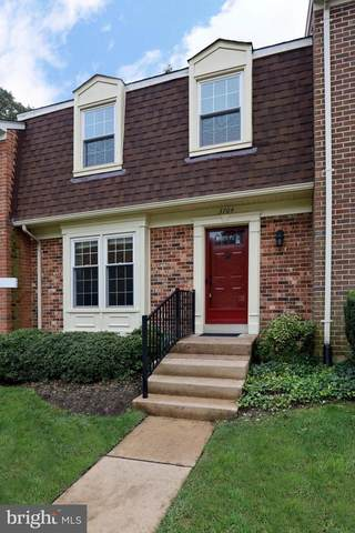 3704 Mount Airey Lane, ANNANDALE, VA 22003 (#VAFX1152784) :: The Sky Group